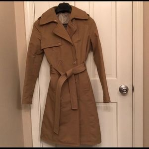 Trench coat in excellent condition !